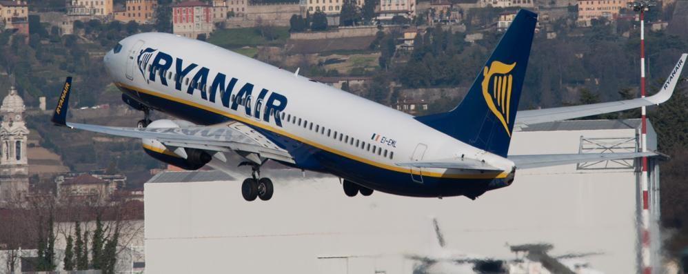 Aeroporto, ecco la nuova rotta degli aerei «Più decolli a Est, migliora a Colognola»