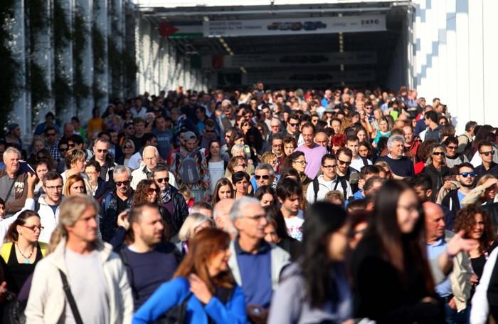 Code di visitatori a Expo 2015
