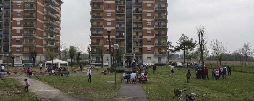 «Condominio lights» accende le torri Da Zingonia un messaggio di speranza