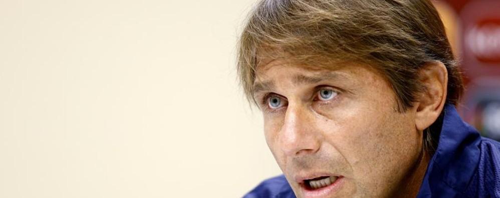 È ufficiale: Conte mister del Chelsea Nel suo staff ci sarà anche Carrera