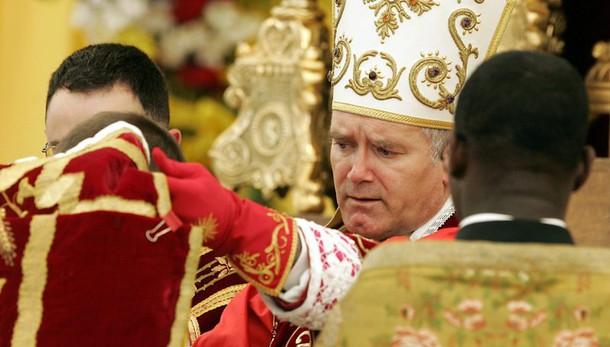 Lefebvriani: Papa ha incontrato Fellay