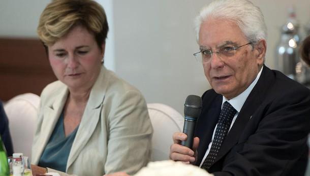 Mattarella dà interim Sviluppo a Renzi