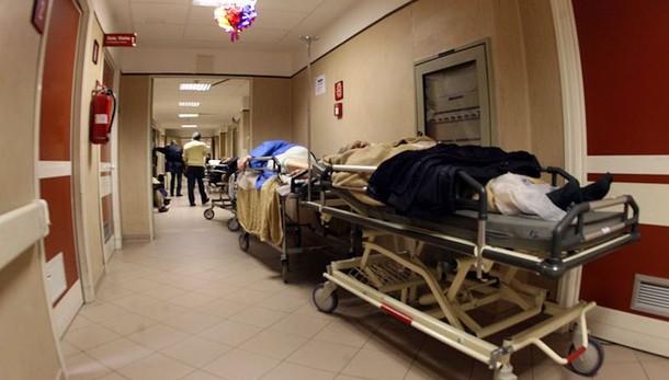Mazzette operazioni, coinvolti 4 medici