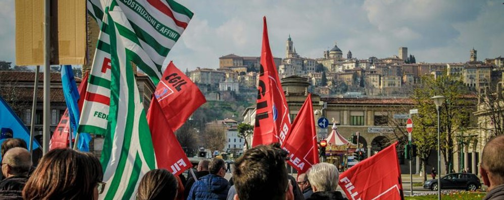 Italcementi, venerdì sciopero di 8 ore La Provincia: partecipino anche i politici