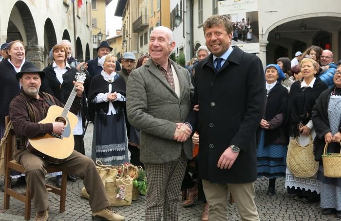 Davide Mengacci a Vlusone con il sindaco Paolo Olini
