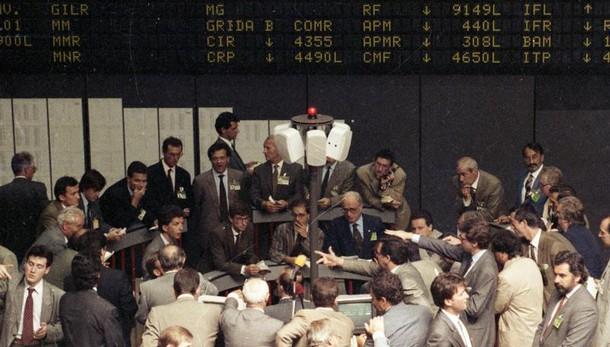 Borsa, Milano rimbalza (+2%) con banche