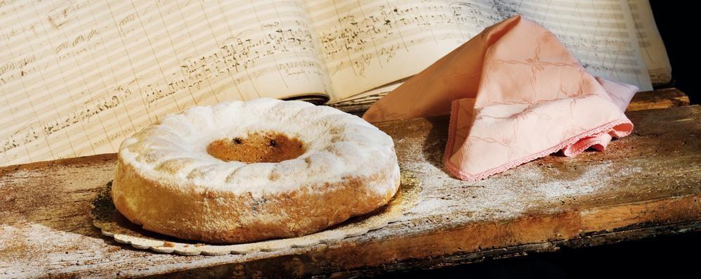 Lo sapete che oggi è un dolce giorno? È il compleanno della torta del Donizetti