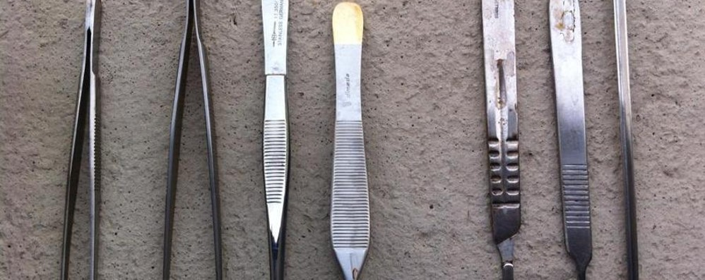 Pinze, forbici e klemmer in via Pinetti Ecco l'originale ritrovamento della polizia