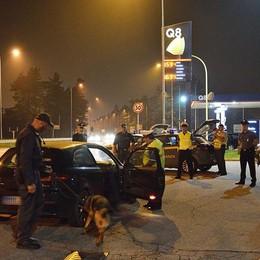 Controlli antispaccio in discoteca  Le Fiamme Gialle arrestano un ragazzo