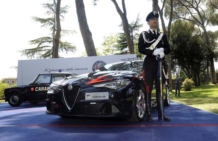 L'Alfa Romeo Giulia Quadrifoglio per i carabinieri