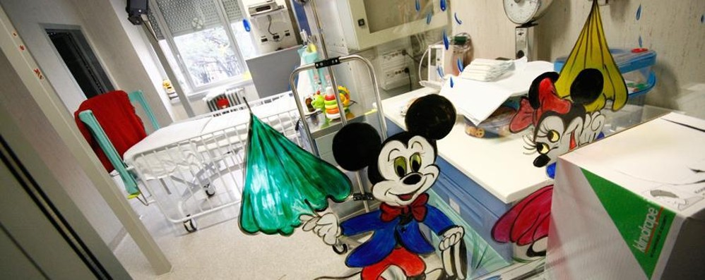Bimbo grave a causa della meningite Ricoverato a Bergamo, i medici lo salvano