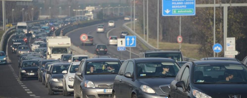 Incidente sull'asse interurbano a Bonate Traffico intenso per arrivare a Bergamo