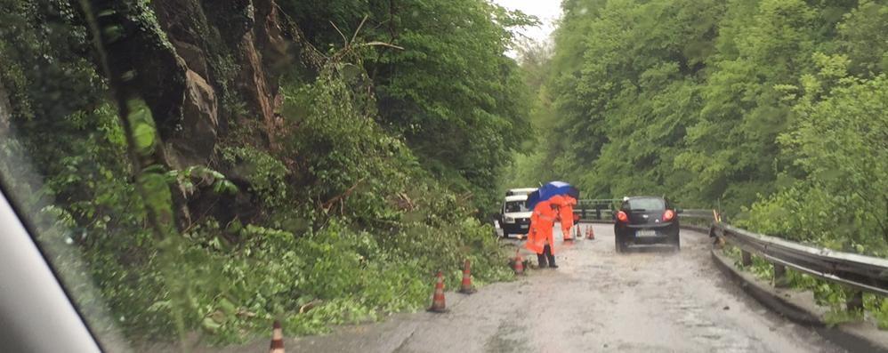 Ancora pioggia, frana a Olmo al Brembo Tecnici al lavoro: causata dal maltempo