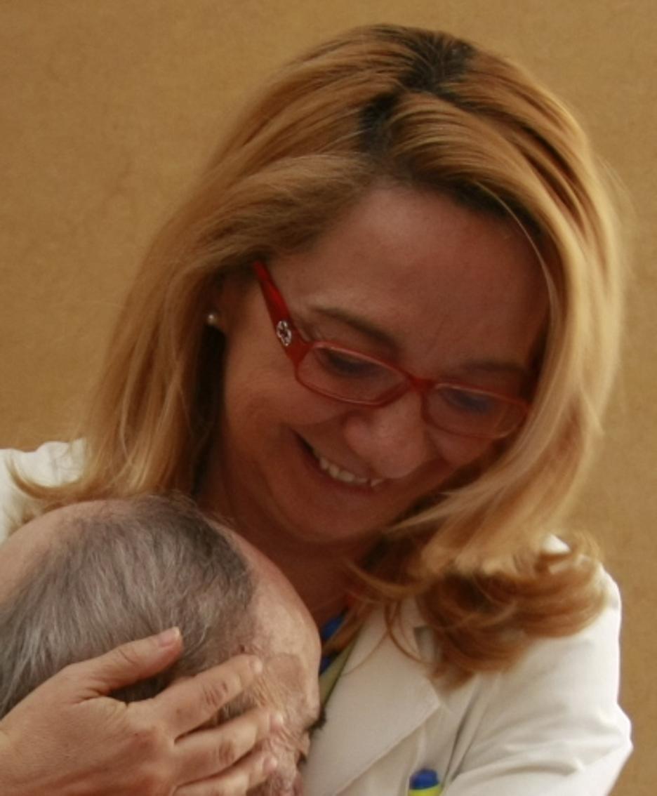 Antonella Goisis con un paziente