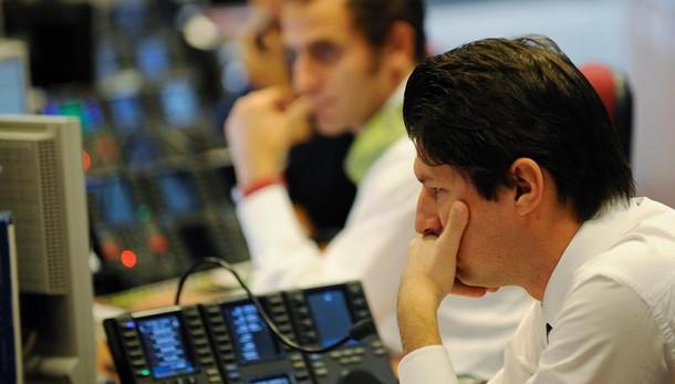 Borsa: Milano parte in calo (-0,5%)
