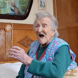 Emma, 116 anni e... due uova al giorno È italiana la donna più longeva del mondo