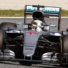 Hamilton in pole position in Spagna Ferrari deludenti: dietro le Red Bull