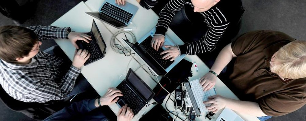 Cyberbullismo: 71 mila vittime lombarde «Ragazzi, attenzione alle chat di notte»