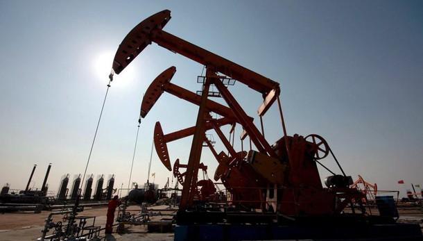 Petrolio:ai massimi da 6 mesi a 48,8 dlr