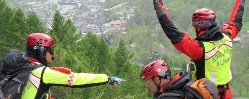 Scivola sul sentiero a 2 mila metri Ferito soccorso sopra Carona