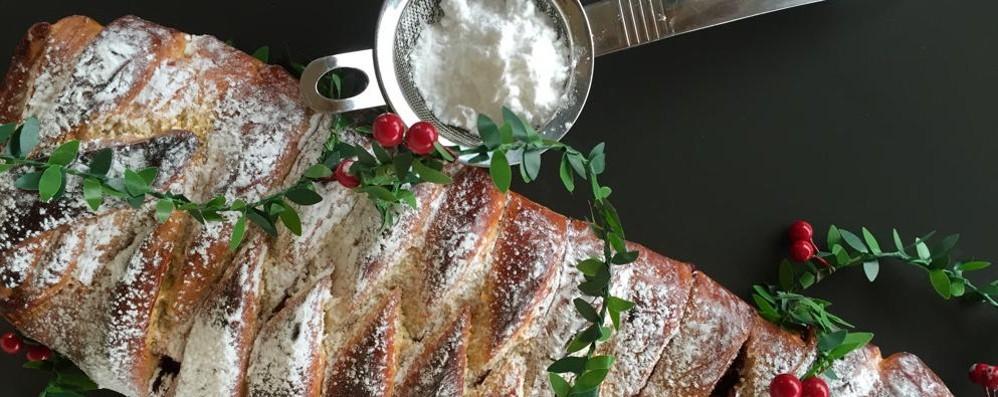 Una deliziosa treccia alla marmellata di lamponi