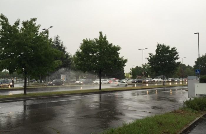 Pioggia battente in città