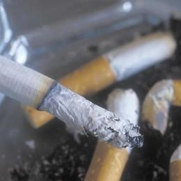 Stretta sulle sigarette (anche elettroniche) Nuove regole da oggi in tutta Europa