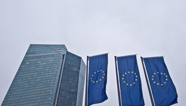 Cambi: euro in rialzo a 1,1461 dollari