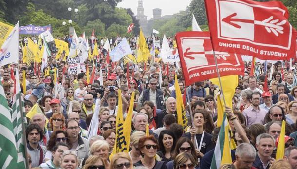 Scuola: sciopero generale il 20 maggio