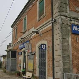 Treni, circolazione a rilento nella Bassa Una persona travolta a Morengo