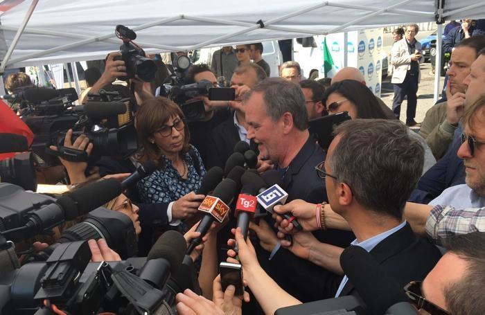 L'ex ministro Roberto Calderoli presente in piazza Matteotti