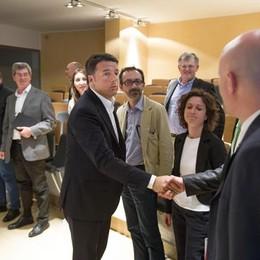 Il presidente del consiglio Matteo Renzi incontra gli operai Italcementi a Bergamo