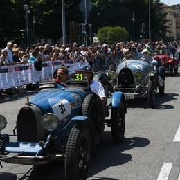 A Bergamo la corsa più bella del mondo Tantissima gente per la Mille Miglia - Foto