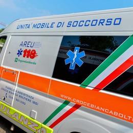 A4: furgone con tre giovani si ribalta 4 km di coda tra Bergamo e Capriate