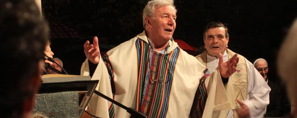 Rubati gli aiuti per l'Ecuador terremotato Levate si mobilita per Don Corinno
