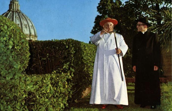 Da sinistra Papa Giovanni con monsignor Capovilla