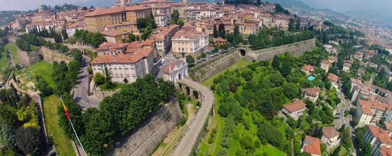 Il Guardian torna a parlare di Bergamo «Le trasformazioni ...