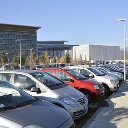 Ospedale, i grillini all'attacco «Il parcheggio torni pubblico»