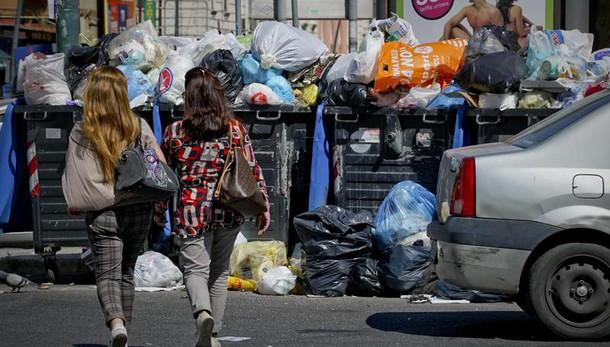 Rifiuti: sindacati,90% adesione sciopero