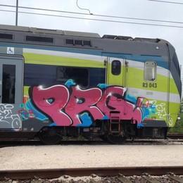 Treviglio, beccato il vandalo dei treni Imbrattate con vernice 12 carrozze