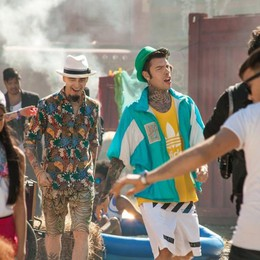 Cornetto, Fedez e J-Ax, tra selfie e graffiti Il nuovo video, guarda i vecchi spot
