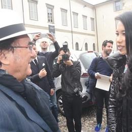 Karen Mok, la popstar cinese a Bergamo In Città Alta incontra   Al Bano - Foto/video