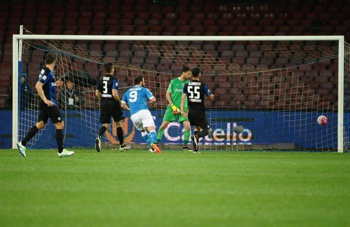 Il primo gol di  Higuain al 10' pt