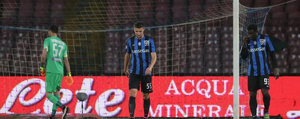 L'Atalanta cade con onore a Napoli Decide una doppietta di Higuain: 2-1