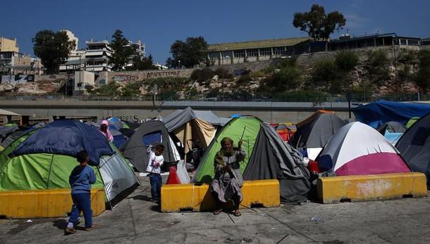 Migranti: 4 paesi Europa est, no a multe