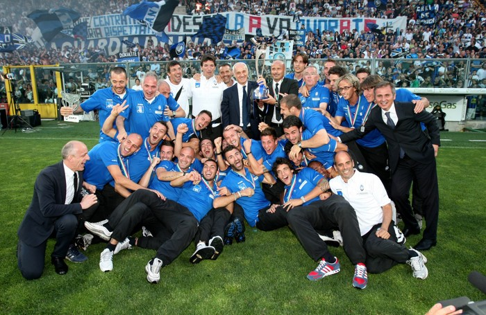 Consegna della Coppa per la promozione in serie A dell'Atalanta nel 2011
