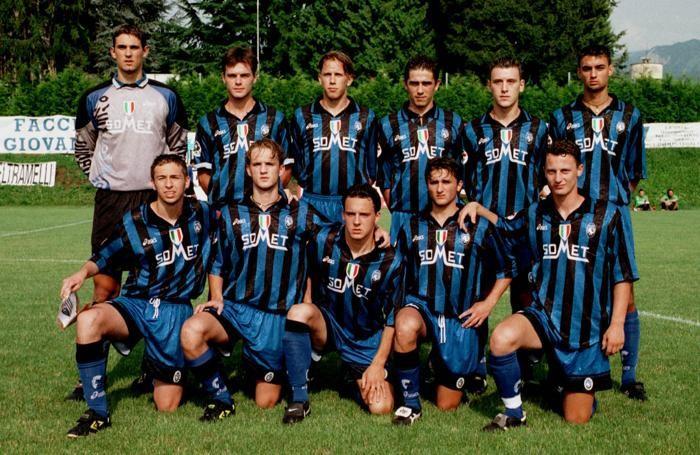 Bellini è il quinto in piedi da sinistra nella Primavera 1998/98: in quell'anno esordì in prima squadra in serie B
