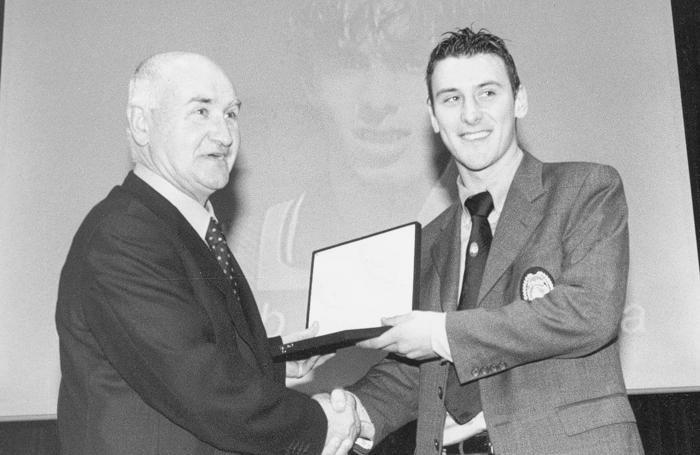 Favini premia Bellini come atalantino emergente nel dicembre 1999