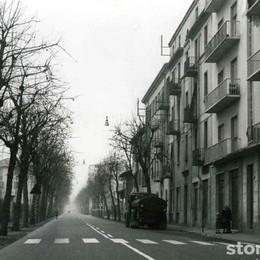 Via XXIV Maggio nel lontano 1959 La corsa verso l'ospedale, ora non più