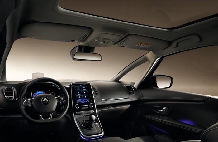 L'interno della Renault Grand Scenic